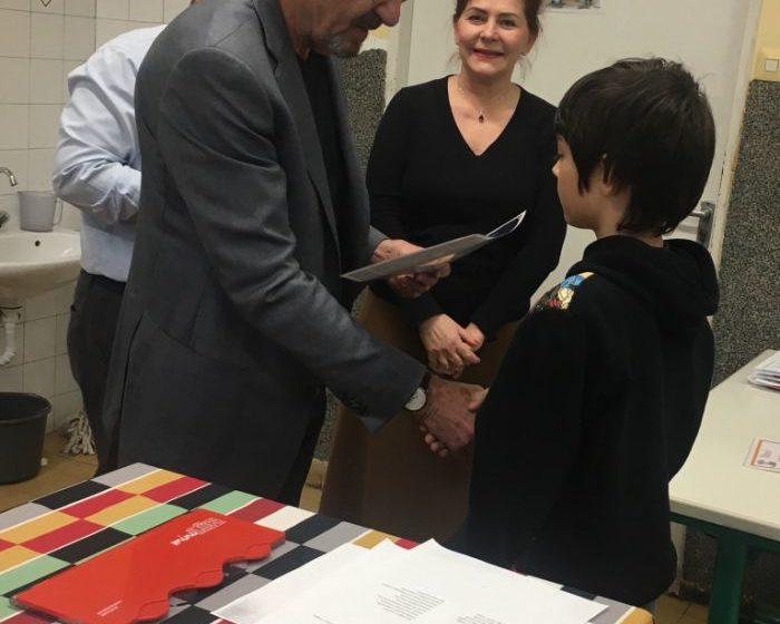 A díjakat Stein János, elnök és Nagy Gabi jövő évi elnök adta át a gyerekeknek.